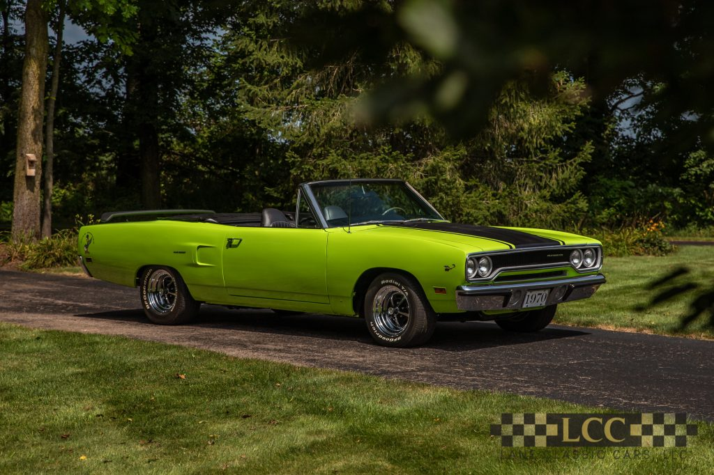 1970 plymouth roadrunner convertible 04 - lane classic cars