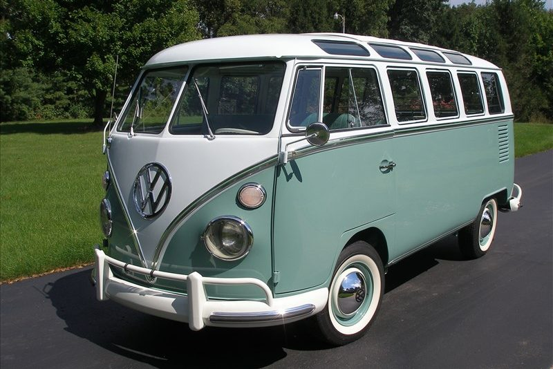 196420Volkswagen202120Window20Deluxe20Bus-1537
