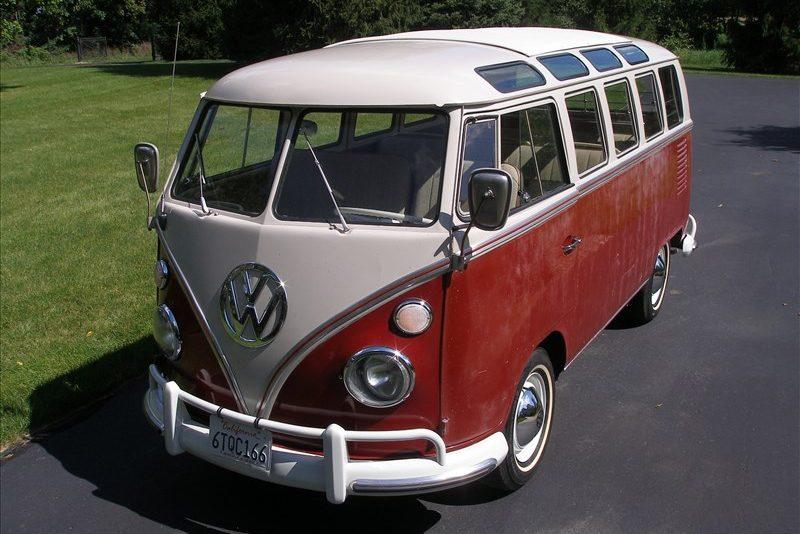 196720Volkswagen202120Window20Deluxe20Bus-193